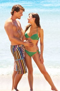 flirty-couple-on-beach